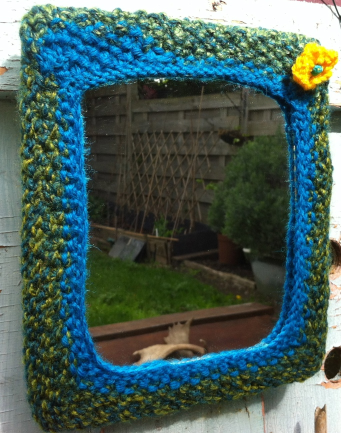 Knitty Mirror