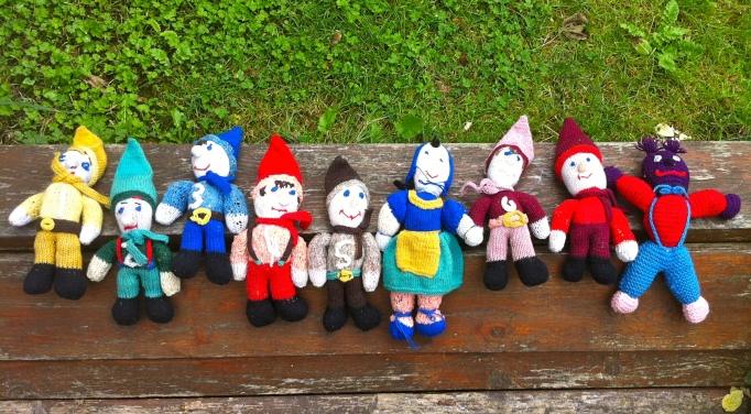 Snow White, 7 Dwarves and er, Fred.